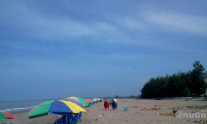 Pantai Gandoriah Pariaman5